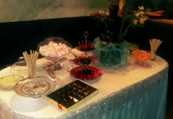 """Праздничный стол в аэроклубе """"Кондор-М"""""""